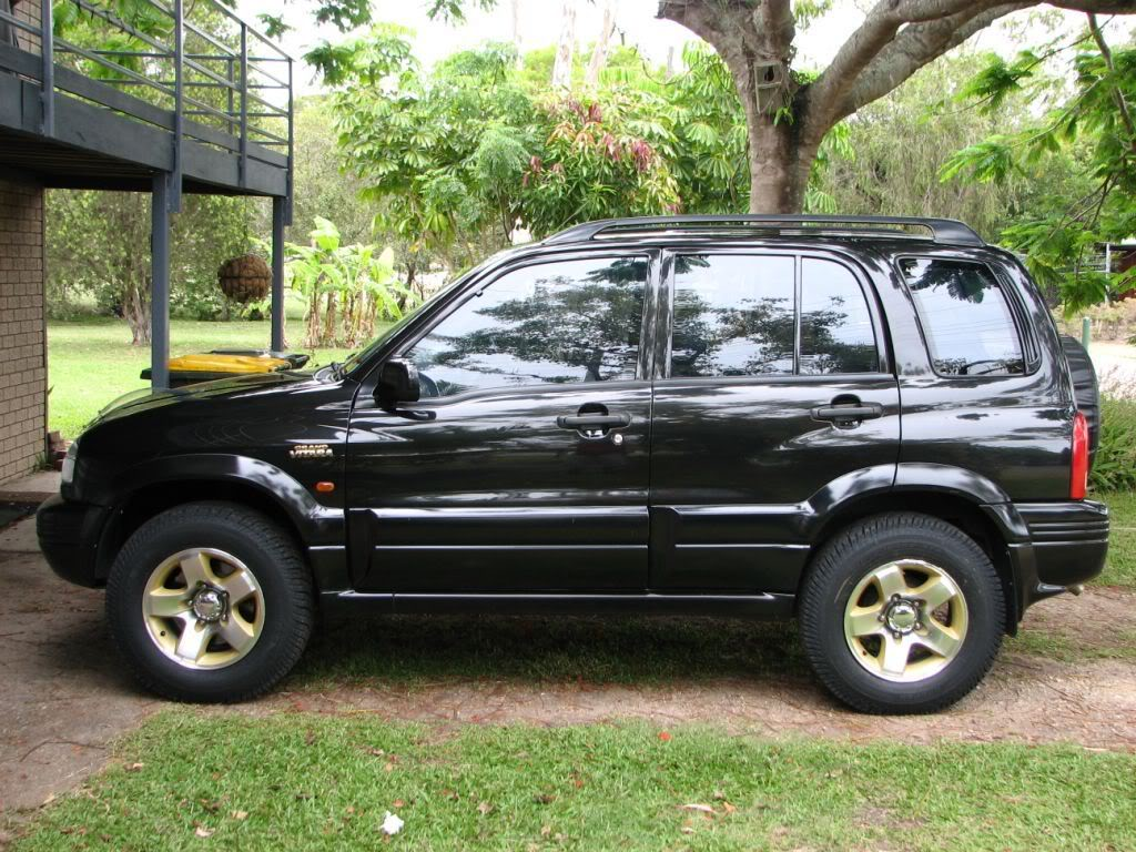 2000 Suzuki Grand Vitara - Information and photos - ZombieDrive