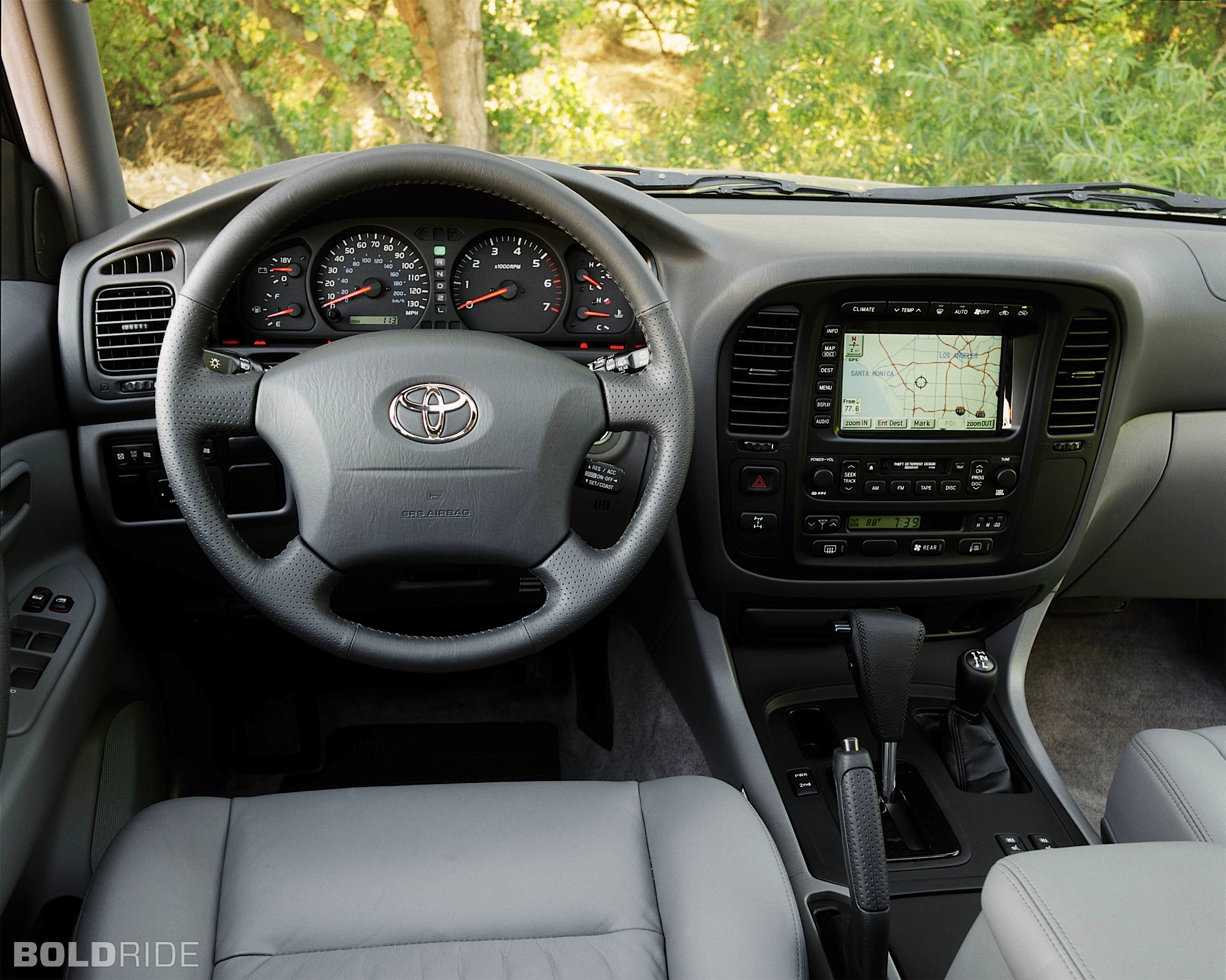 2000 Toyota Land Cruiser Image 4