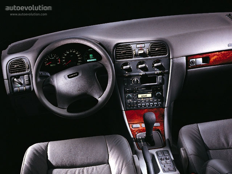 Volvo 40 1 Interior >> 2000 Volvo S40 Information And Photos Zombiedrive