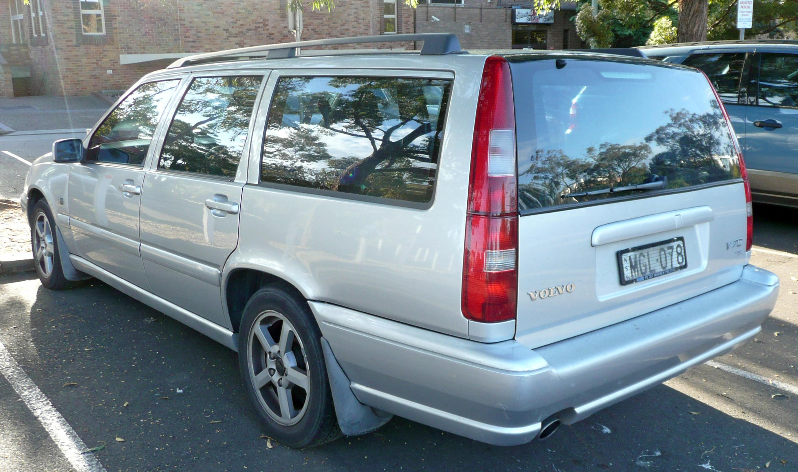2000 Volvo S70 Image 12
