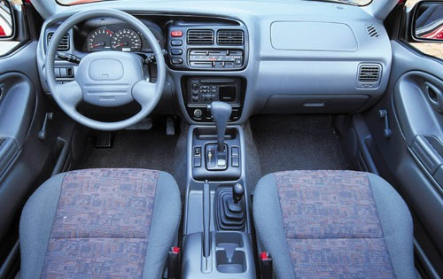 2000 Chevrolet Tracker 2  interior #11