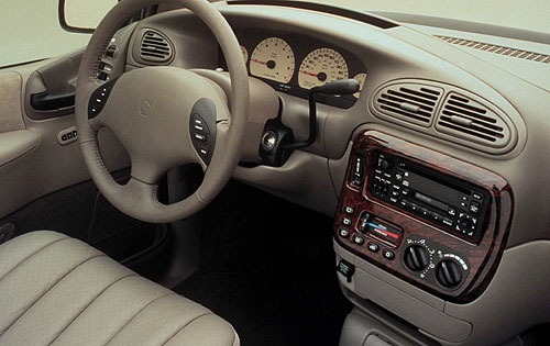 2001 Chrysler Townand Cou interior #6