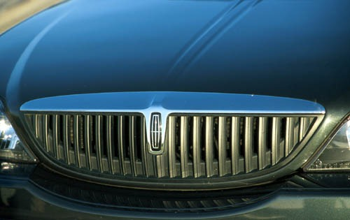 2001 Lincoln LS 4dr Sedan exterior #17