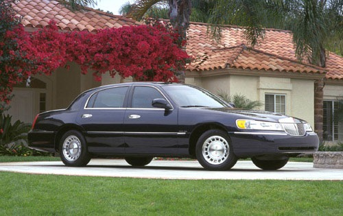 2000 Lincoln Town Car Exe exterior #3
