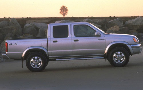 2000 Nissan Frontier 4 Dr exterior #4