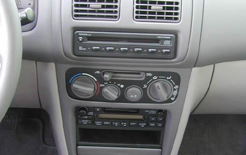 2000 Toyota Corolla Image 14