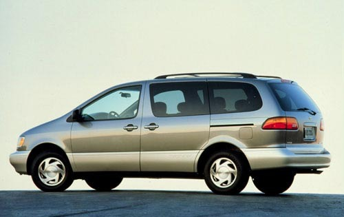 2002 Toyota Sienna LE 4dr exterior #3