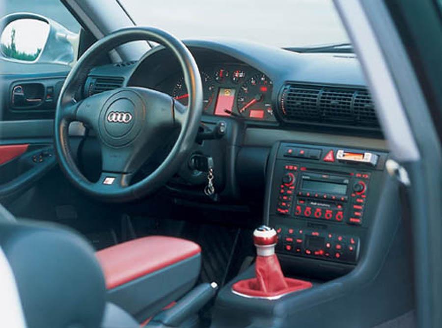 2001 Audi A4 Image 18