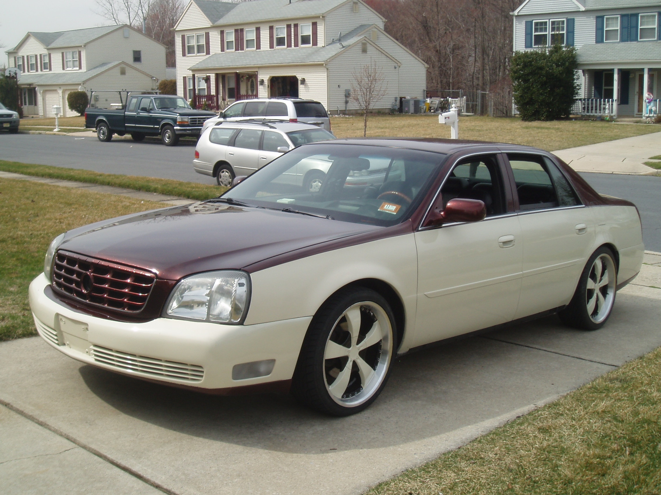 2001 Cadillac DeVille - Information and photos - ZombieDrive