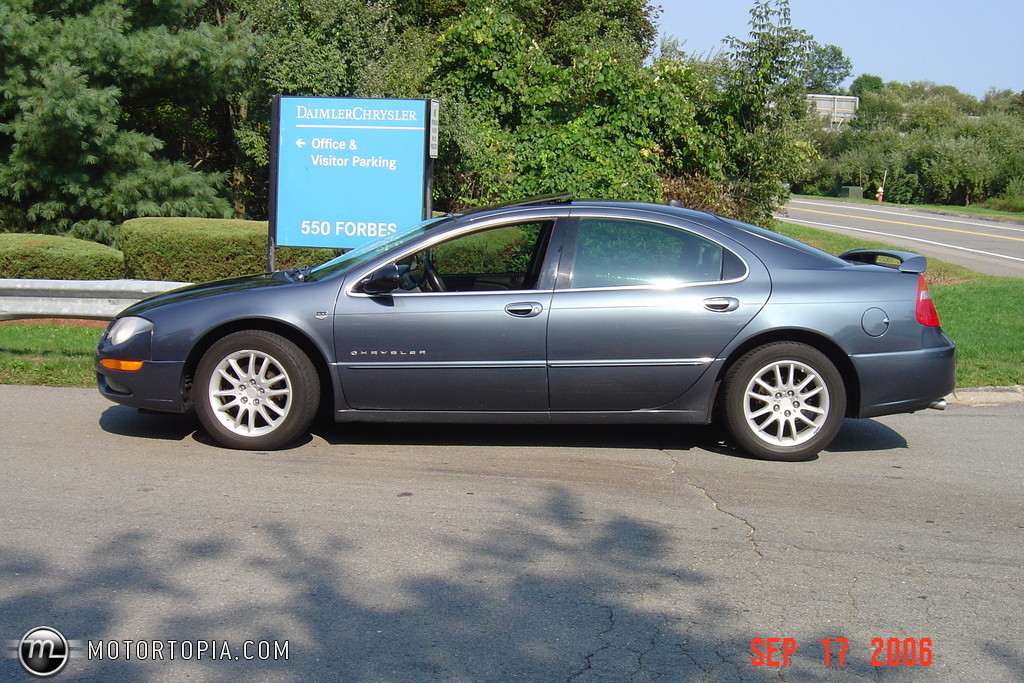 2001 Chrysler 300m Image 7