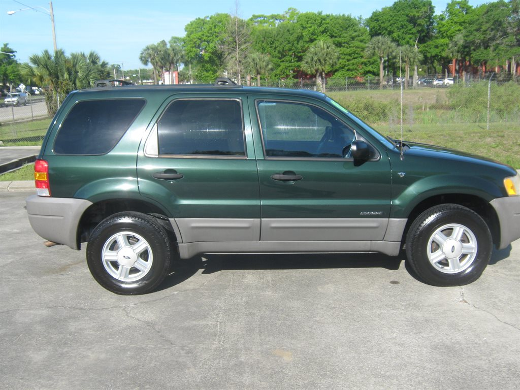 2002 ford escape green 200 interior and exterior images. Black Bedroom Furniture Sets. Home Design Ideas