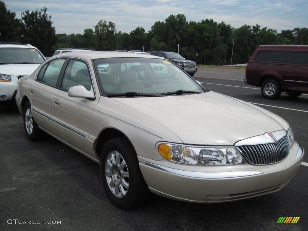 2001 Lincoln Continental - Information and photos - ZombieDrive