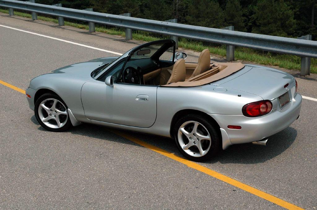 2001 Mazda MX-5 Miata - Information and photos - ZombieDrive