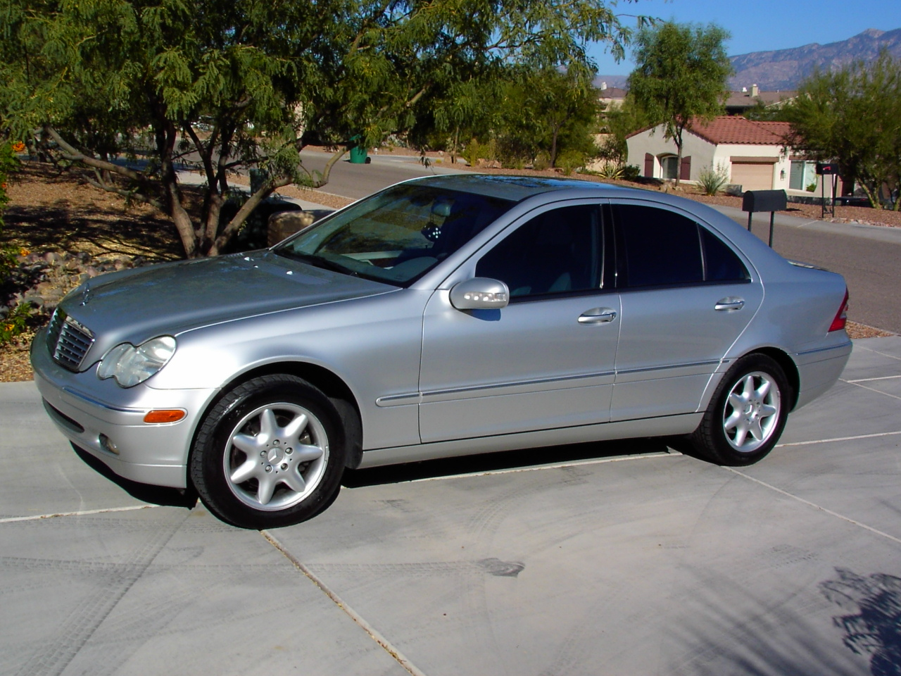 2001 mercedes benz c class information and photos for 2001 mercedes benz c320 owners manual