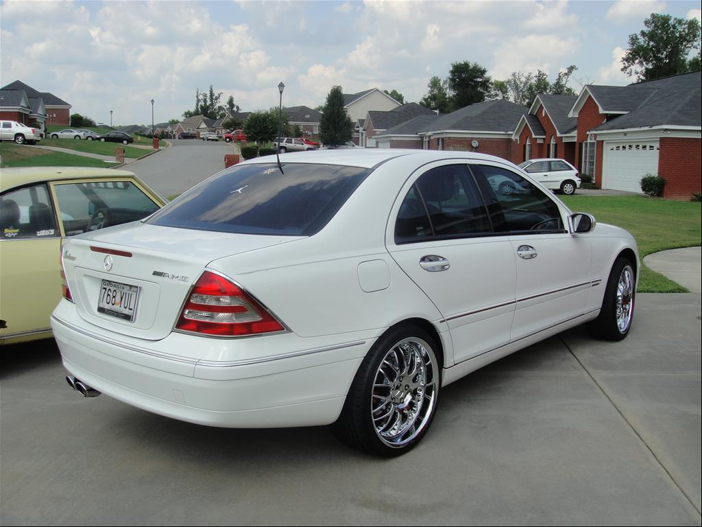 2001 mercedes benz c class information and photos for Mercedes benz s class 2001