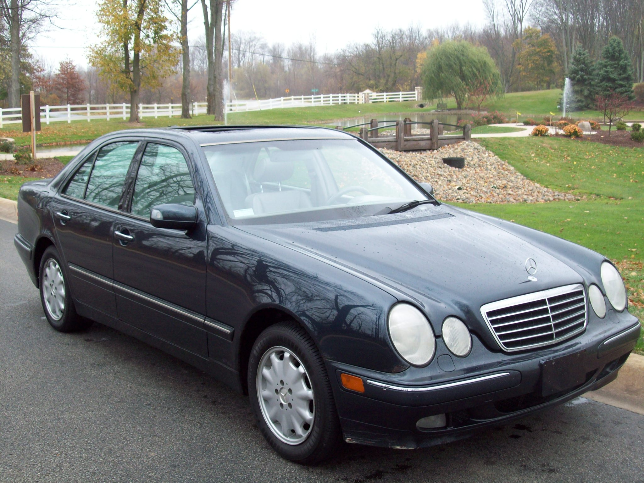 2001 mercedes benz e class information and photos
