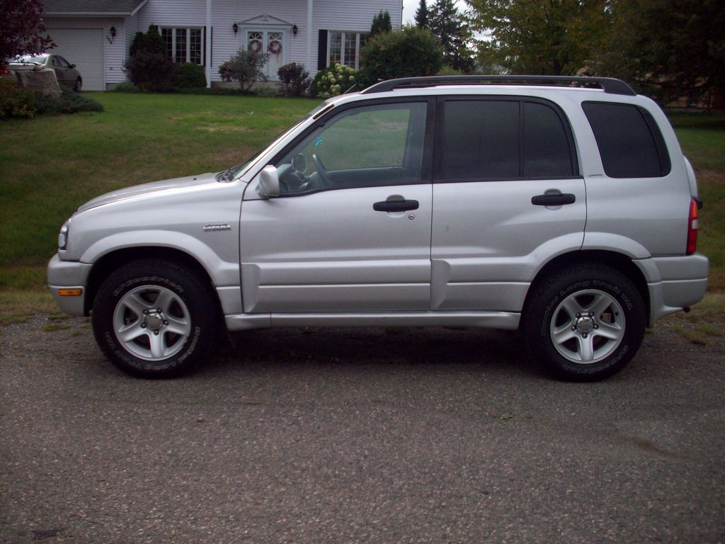2001 Suzuki Vitara - Information and photos - ZombieDrive