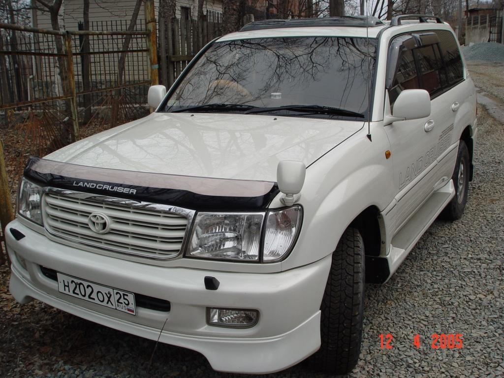 2001 Toyota Land Cruiser Image 10