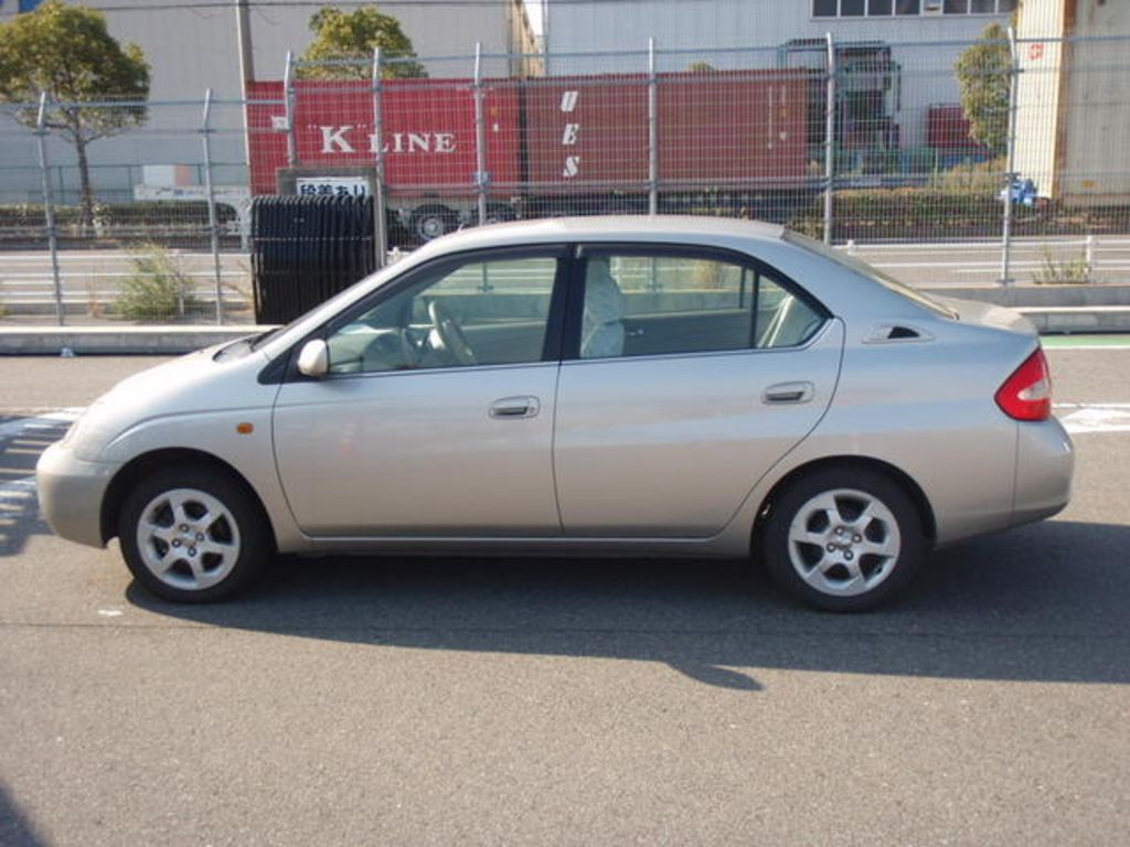 2001 Toyota Prius - Information and photos - ZombieDrive