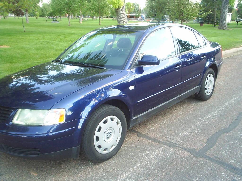 VW vw passat 2001 : 2001 Volkswagen Passat - Information and photos - ZombieDrive