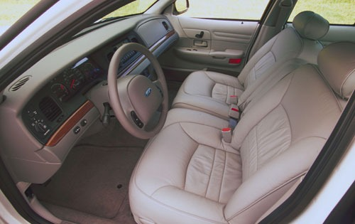 2001 Ford Crown Victoria  interior #3