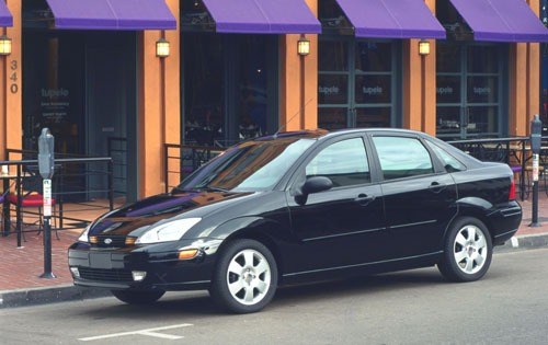 2001 Ford Focus ZTS 4dr S exterior #4