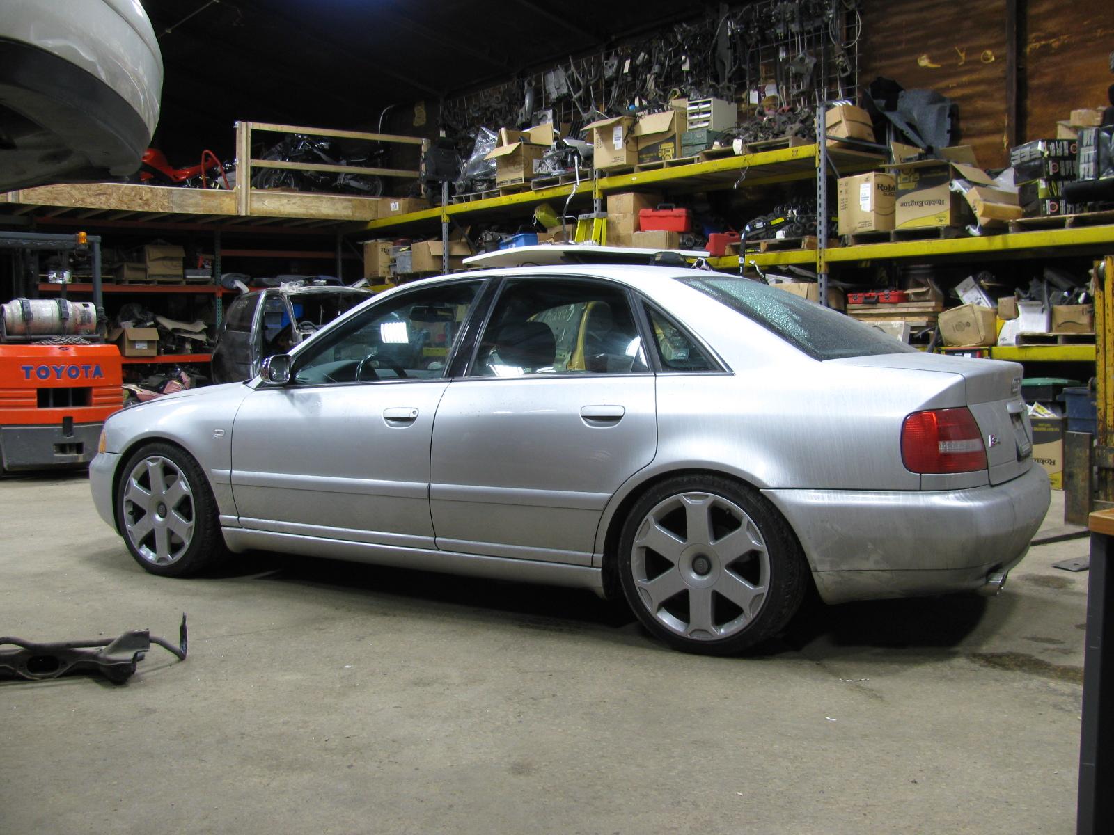 2002 Audi S4 Image 25