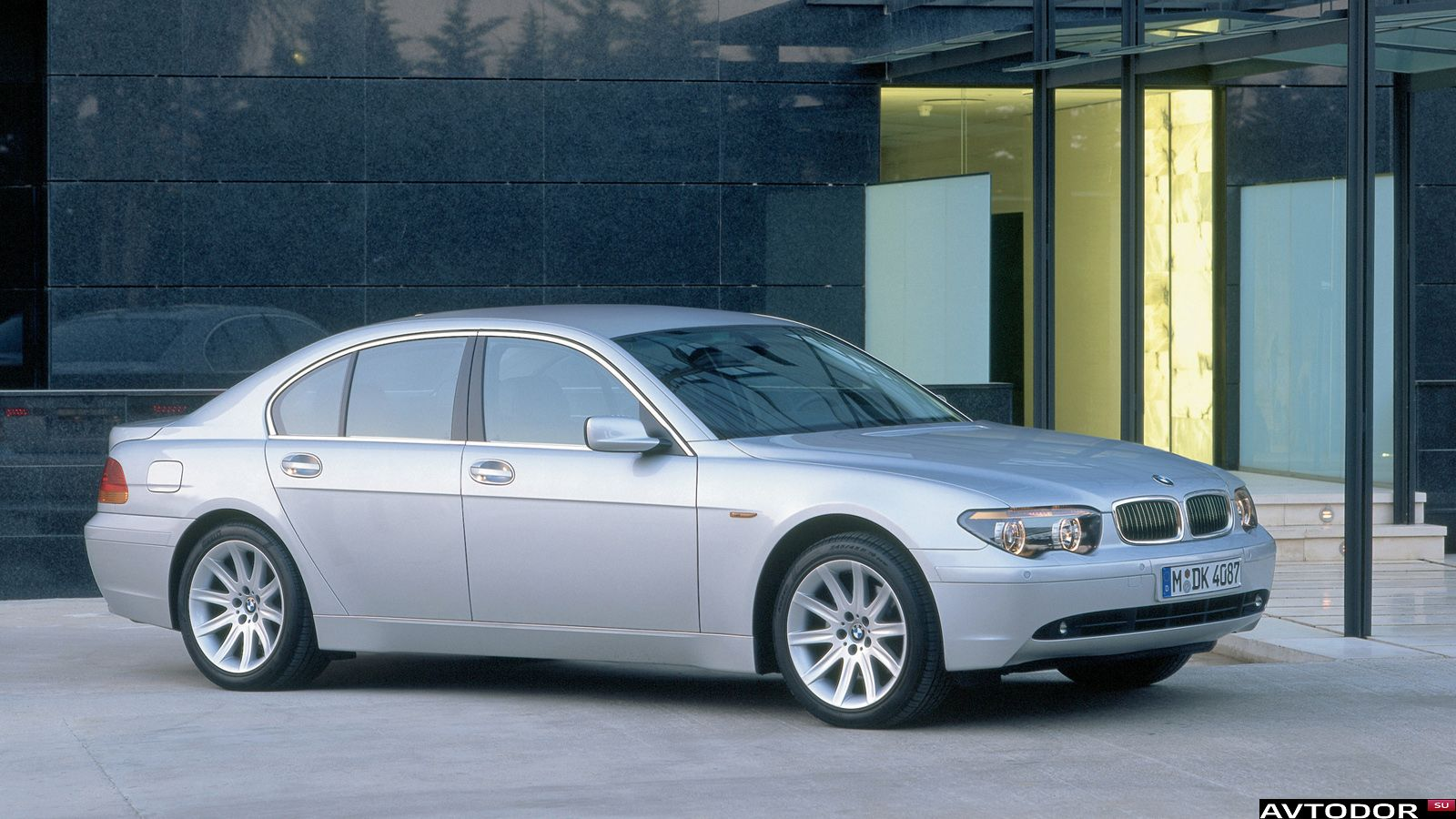 2002 bmw 7 series information and photos zombiedrive. Black Bedroom Furniture Sets. Home Design Ideas