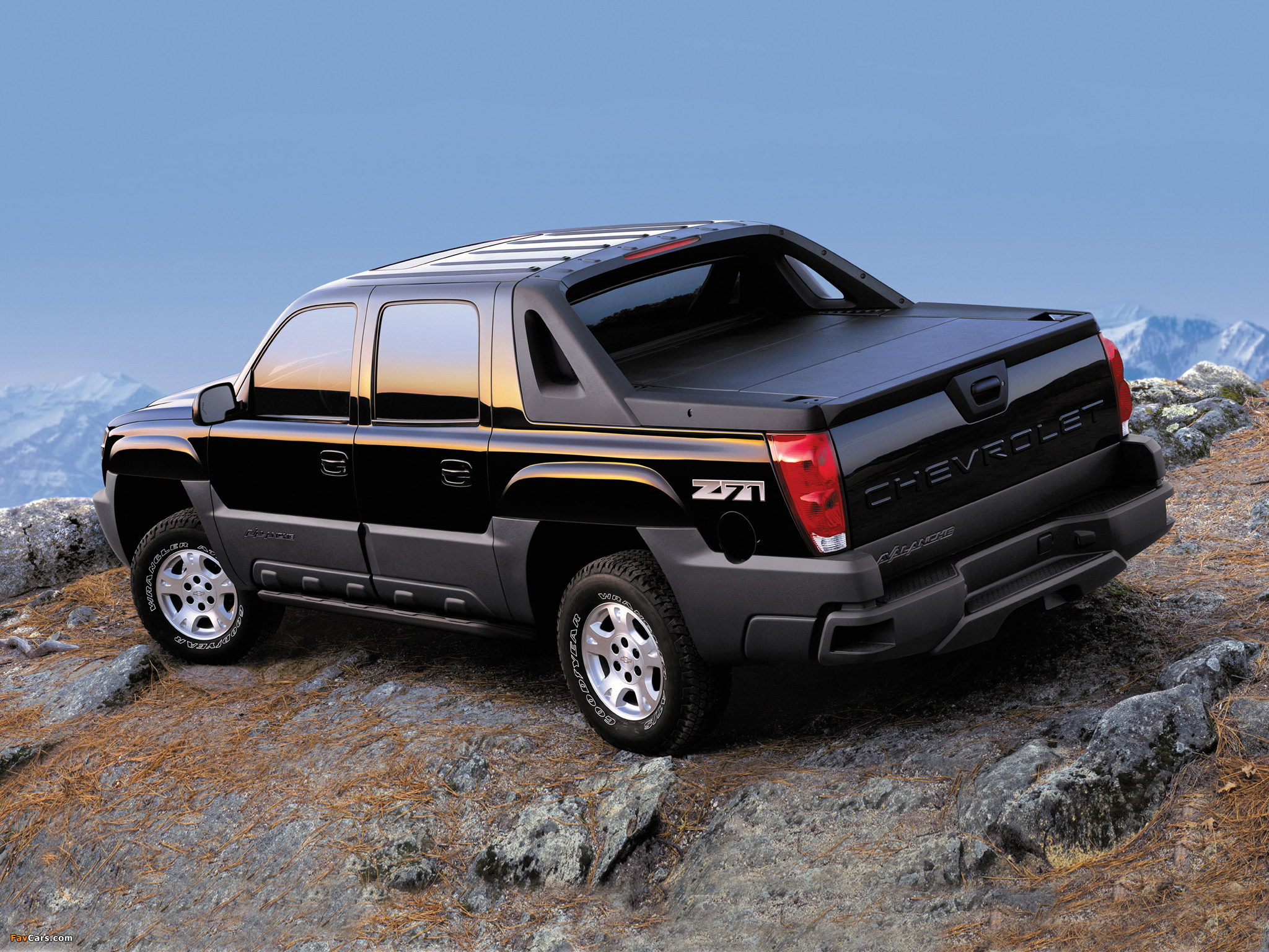 2002 chevrolet avalanche information and photos zombiedrive. Black Bedroom Furniture Sets. Home Design Ideas