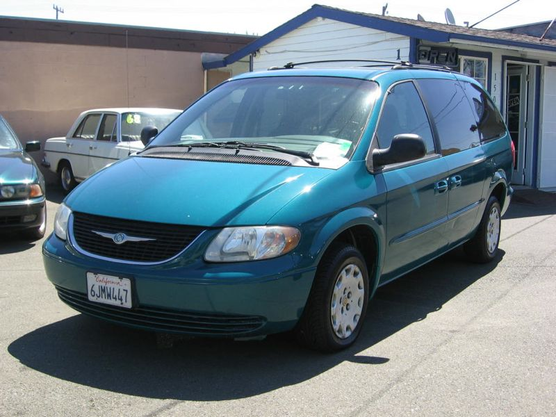 2002 chrysler town and country information and photos zombiedrive. Cars Review. Best American Auto & Cars Review