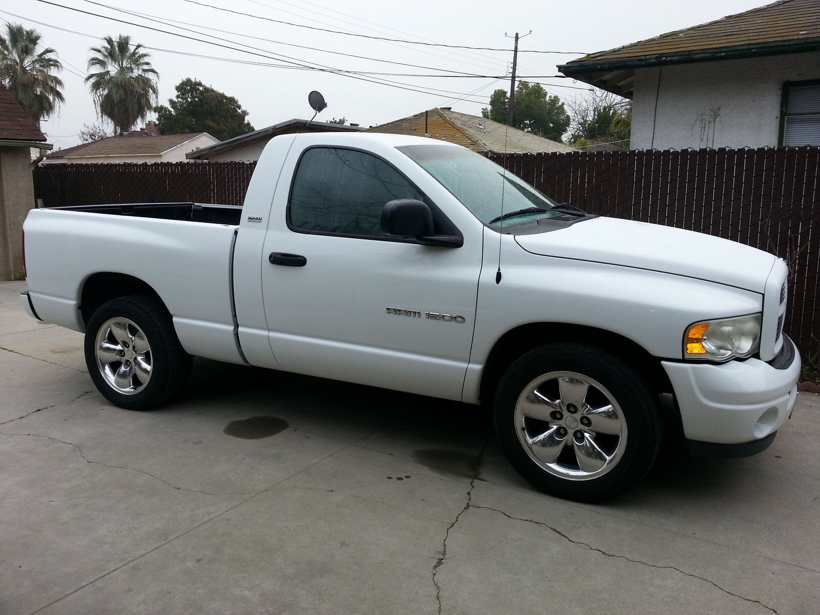 2002 dodge ram pickup 1500 information and photos zombiedrive. Black Bedroom Furniture Sets. Home Design Ideas