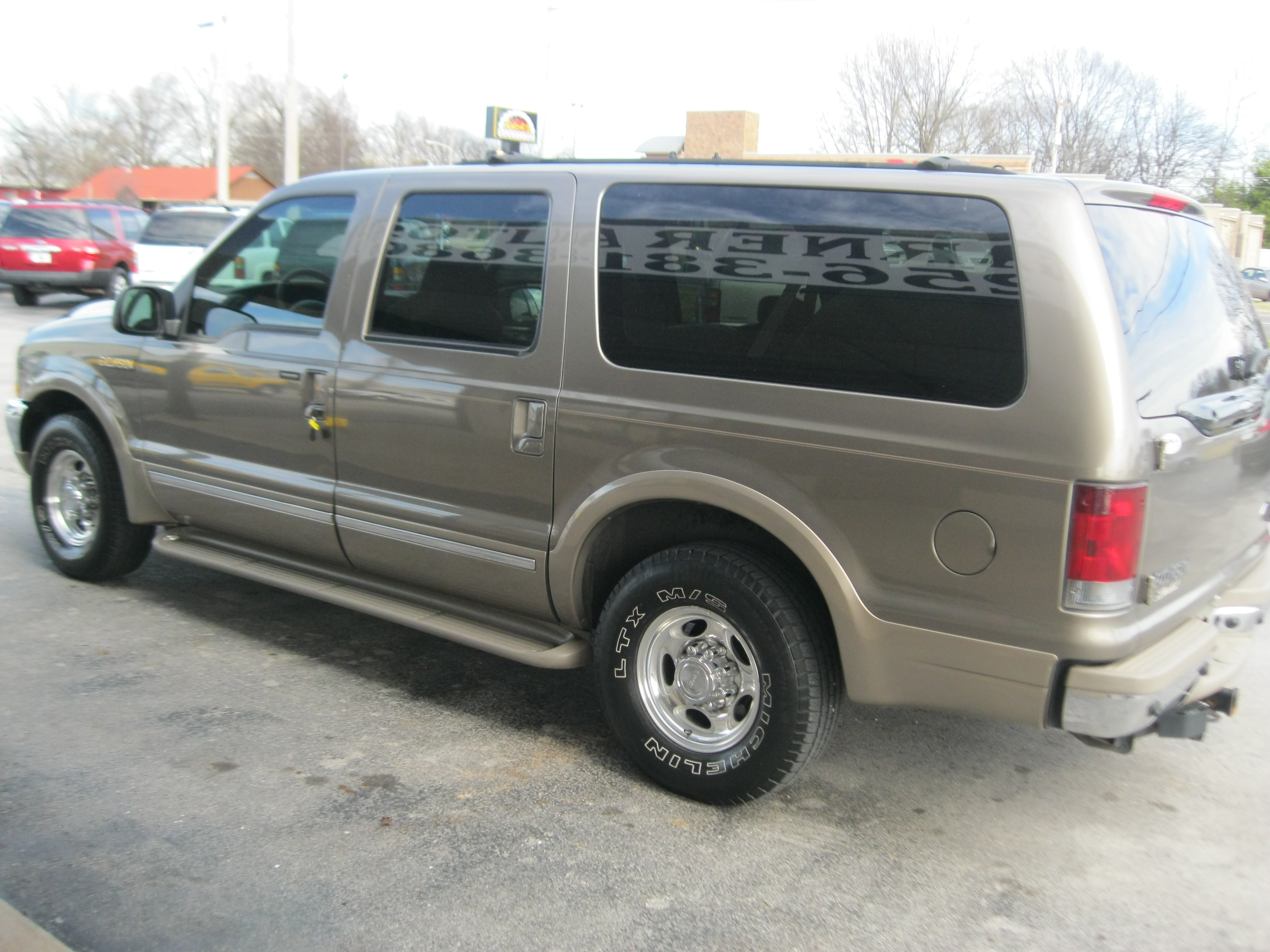 2002 Ford Excursion Image 10