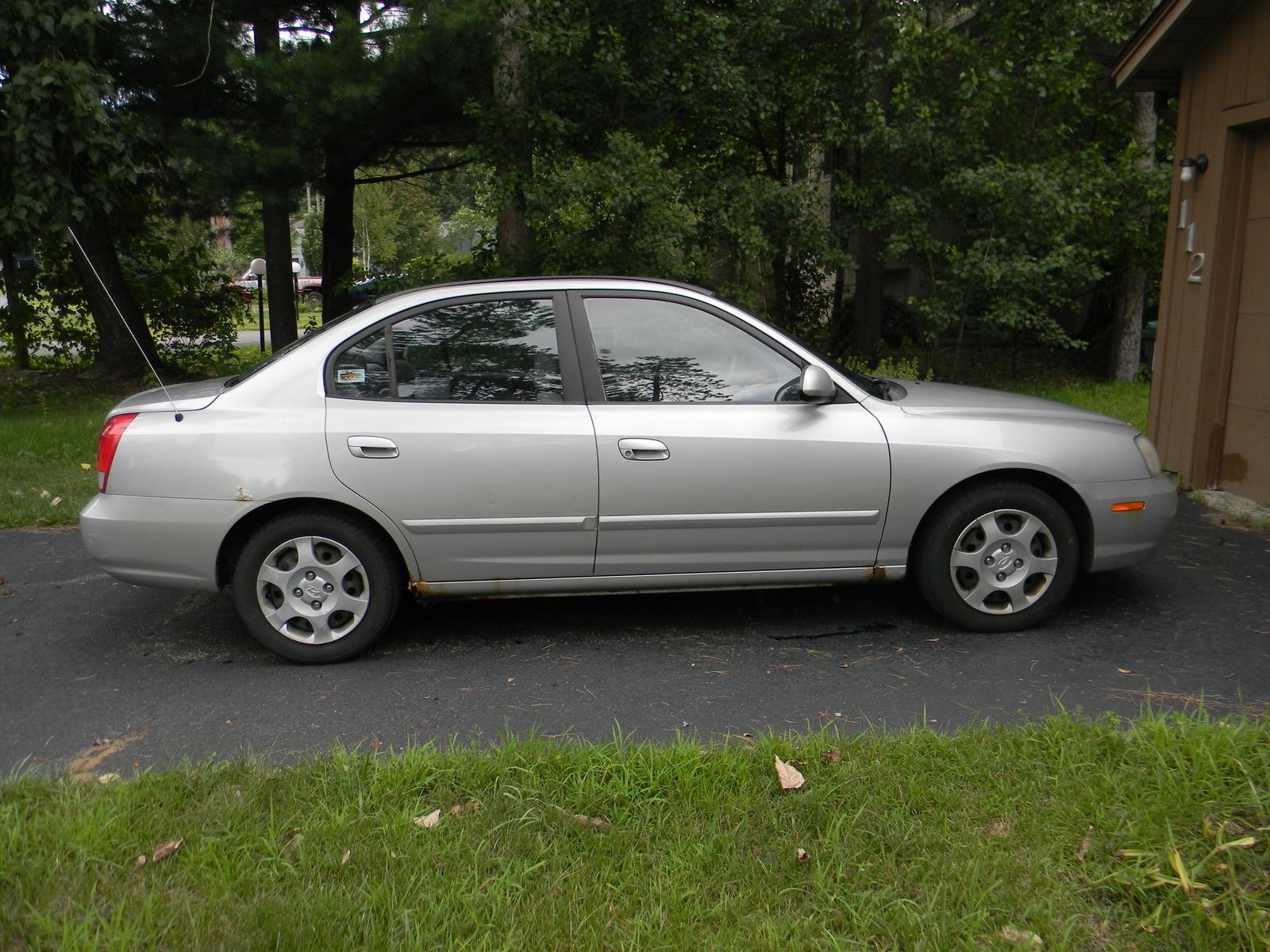 2002 Hyundai Elantra Image 12