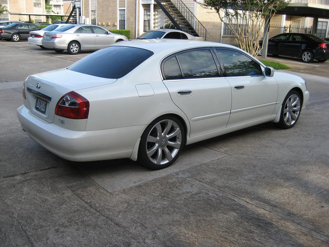 2002 Infiniti Q45 1