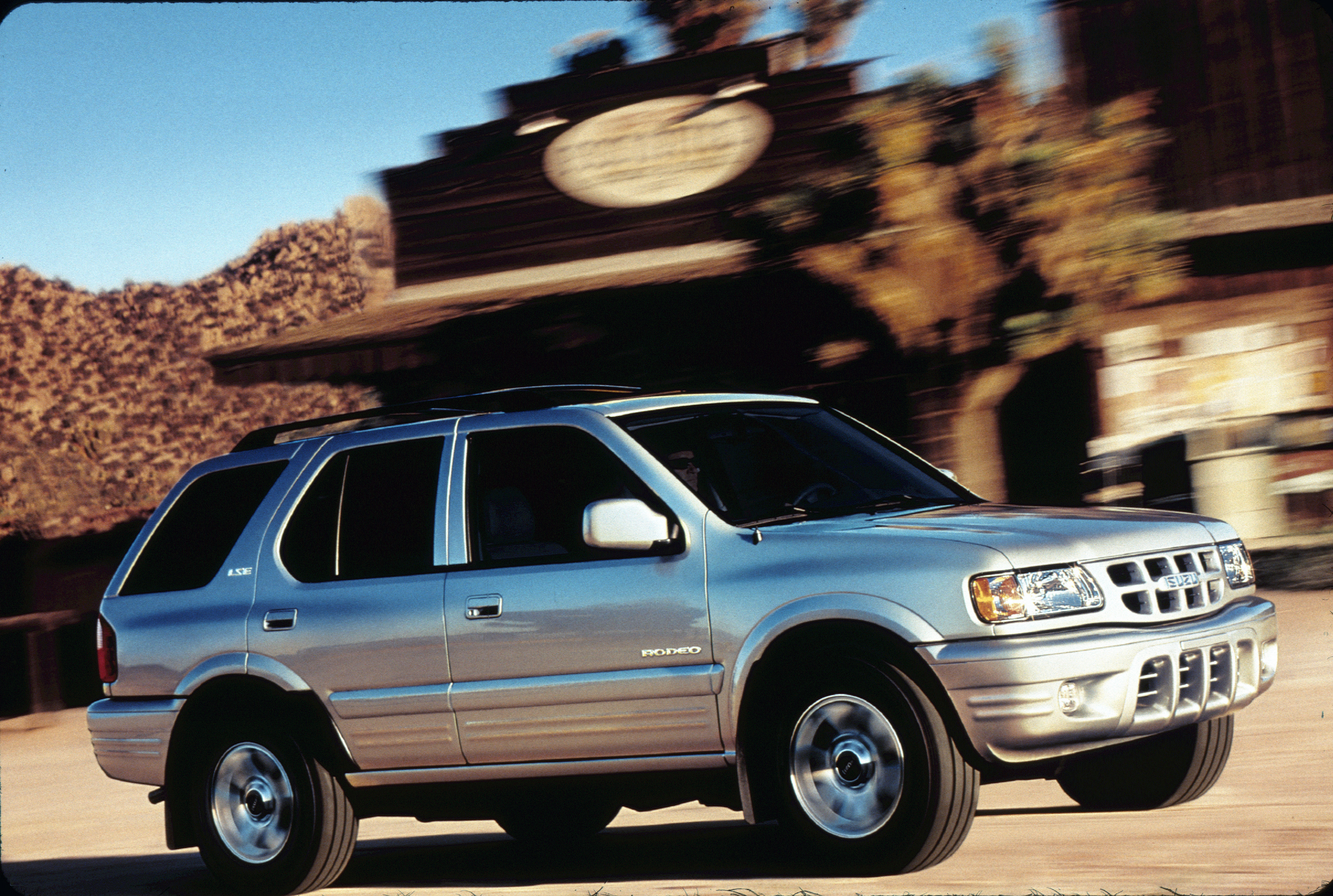 2002 isuzu rodeo information and photos zombiedrive
