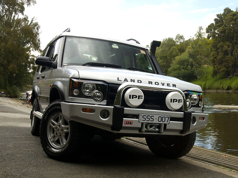 Land Rover Discovery Series II #14