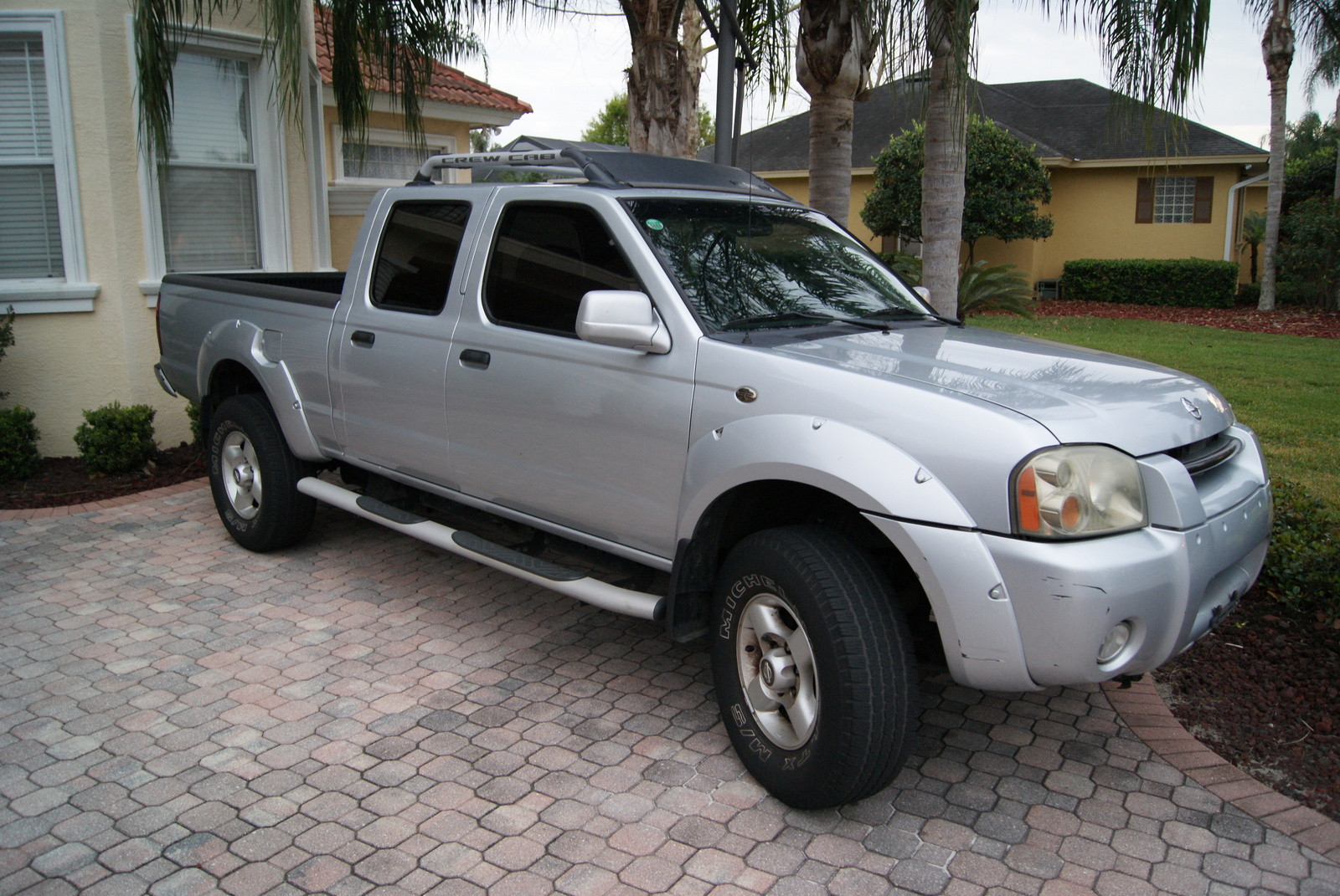 2002 Nissan Frontier - Information and photos - ZombieDrive