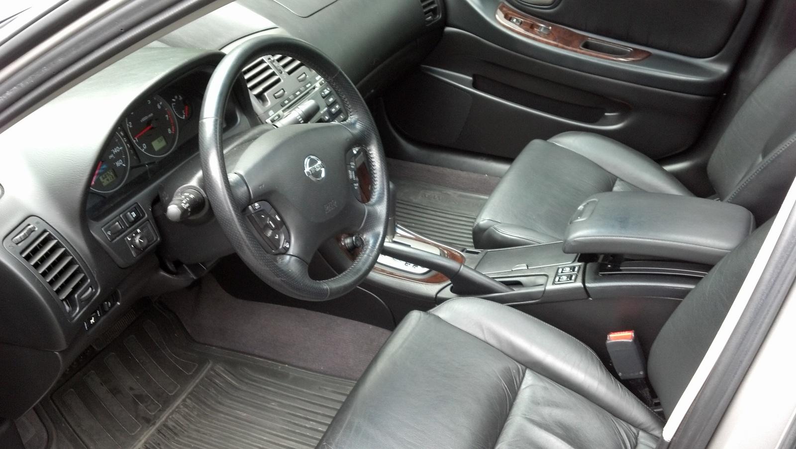 2002 Nissan Maxima Image 6