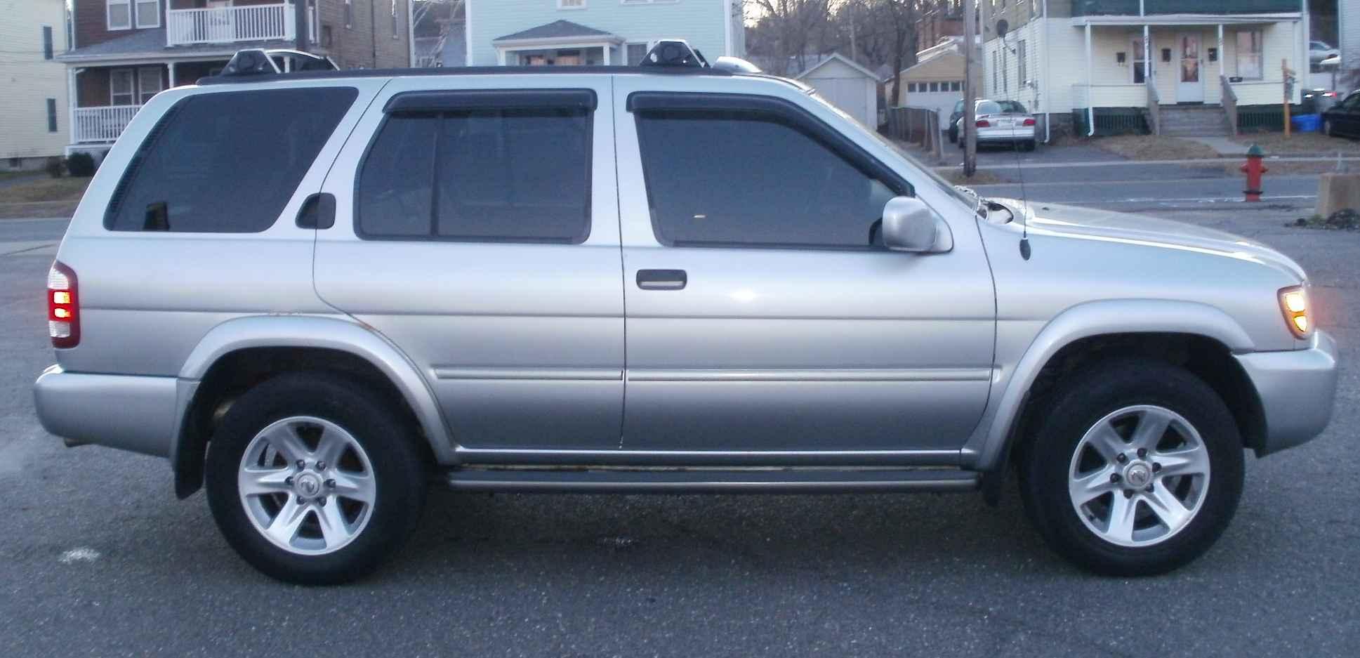 2002 Nissan Pathfinder Image 5