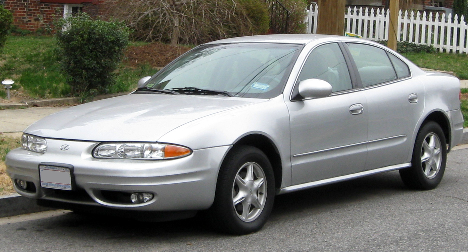 2002 Oldsmobile Alero - Information And Photos