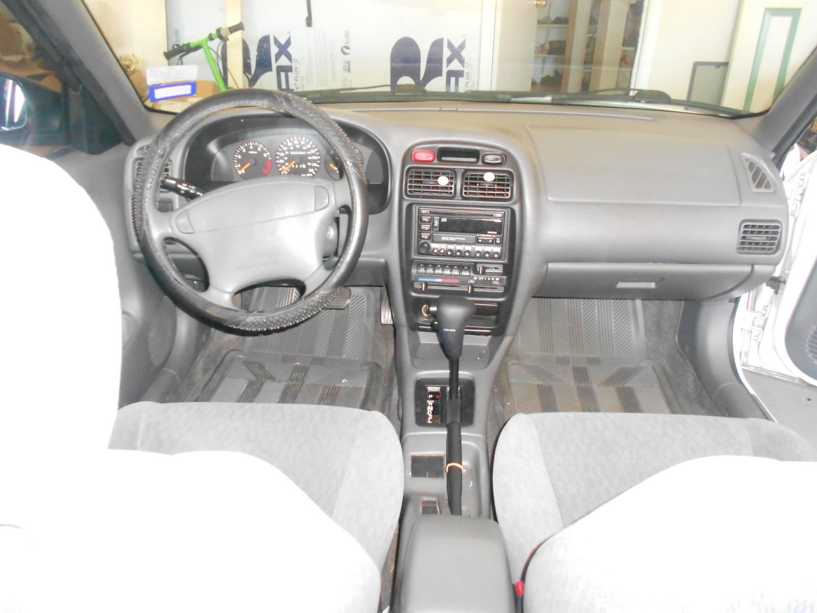 2002 Suzuki Esteem - Information and photos - ZombieDrive