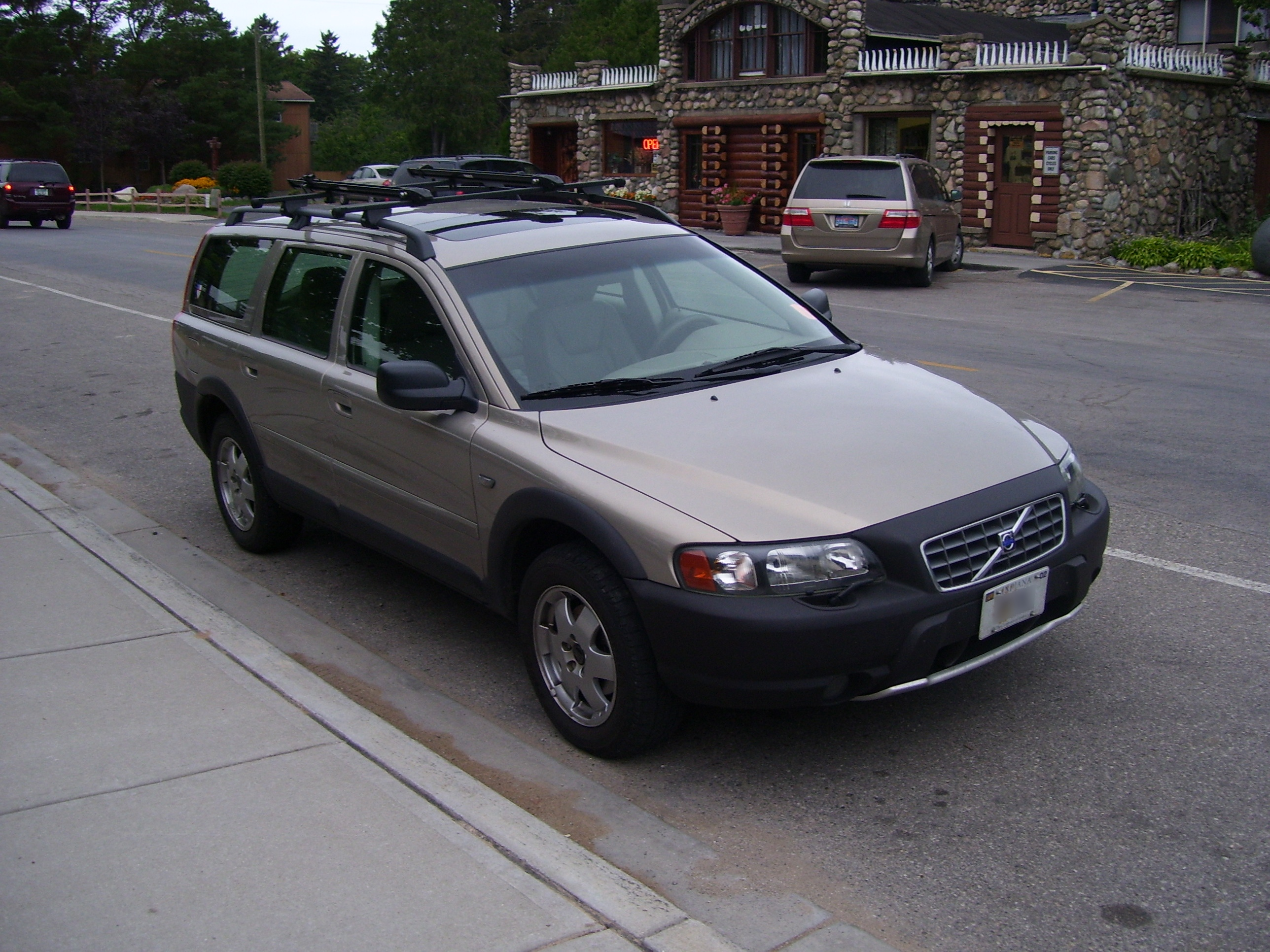 2002 volvo v70 information and photos zombiedrive. Black Bedroom Furniture Sets. Home Design Ideas