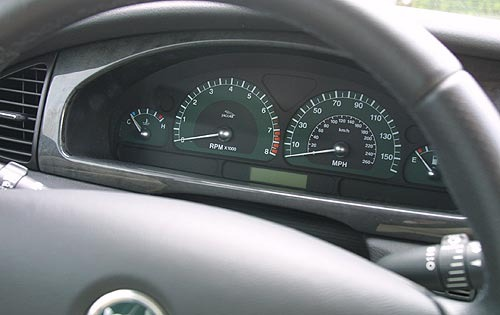 2003 Jaguar S-Type V6 Cen interior #10