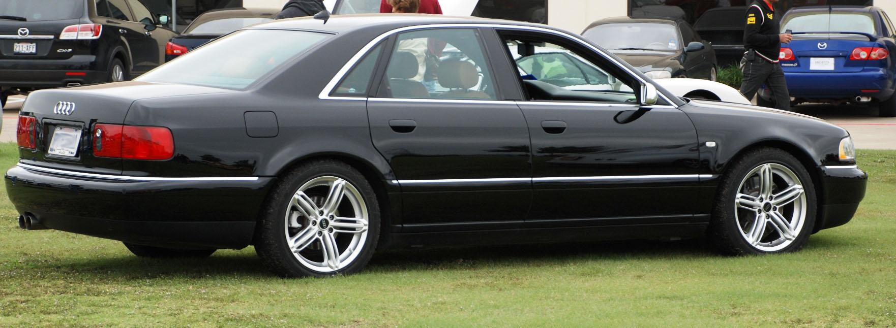 2003 Audi S8 Image 24