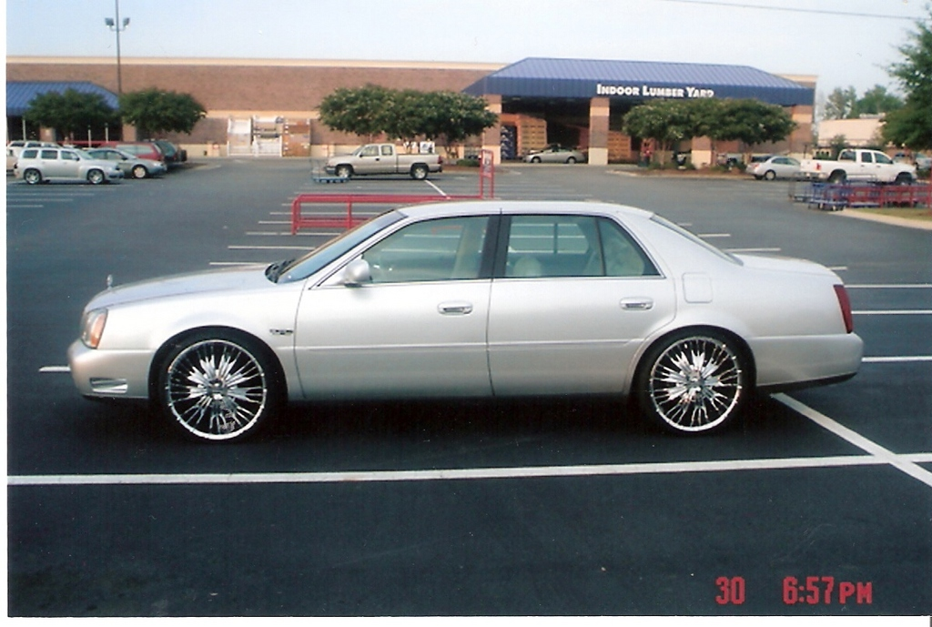 2003 Cadillac DeVille - Information and photos - ZombieDrive