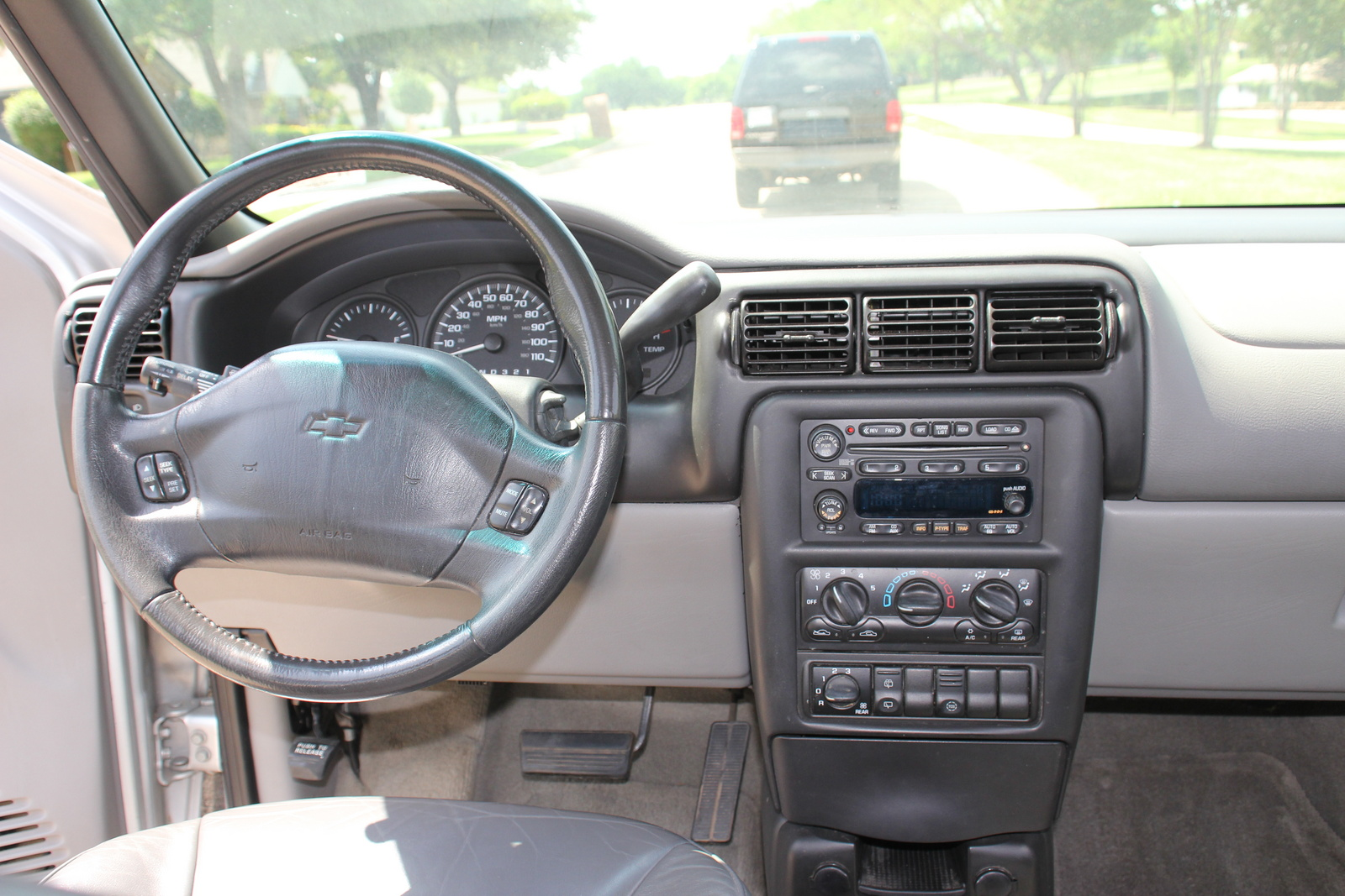 Please Help Need Rear Wiper Switch Circuit Diagram 82802 further Forum posts likewise 3684 2003 Chevrolet Venture 7 likewise 1997 Honda Prelude Interior Fuse Box Diagram besides Watch. on 1999 chevrolet blazer wiring diagram