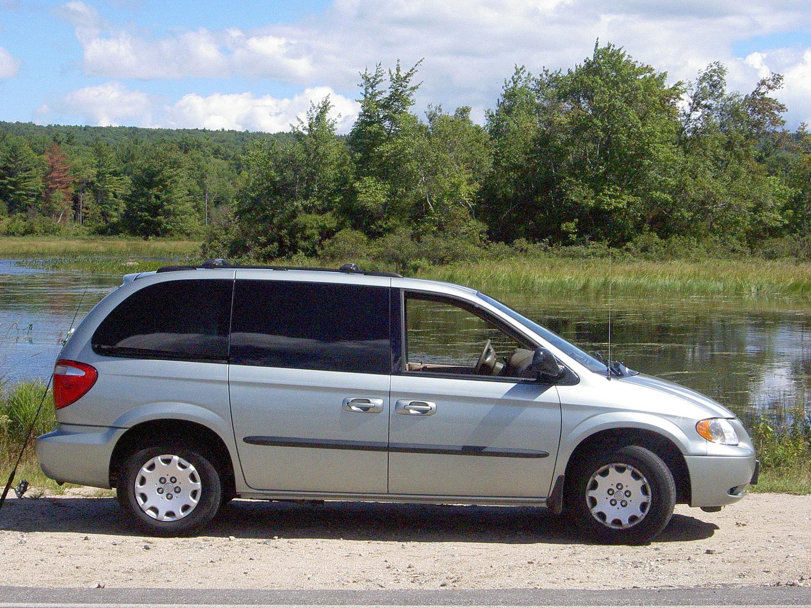 Chrysler van autos post for Van horn motors manitowoc