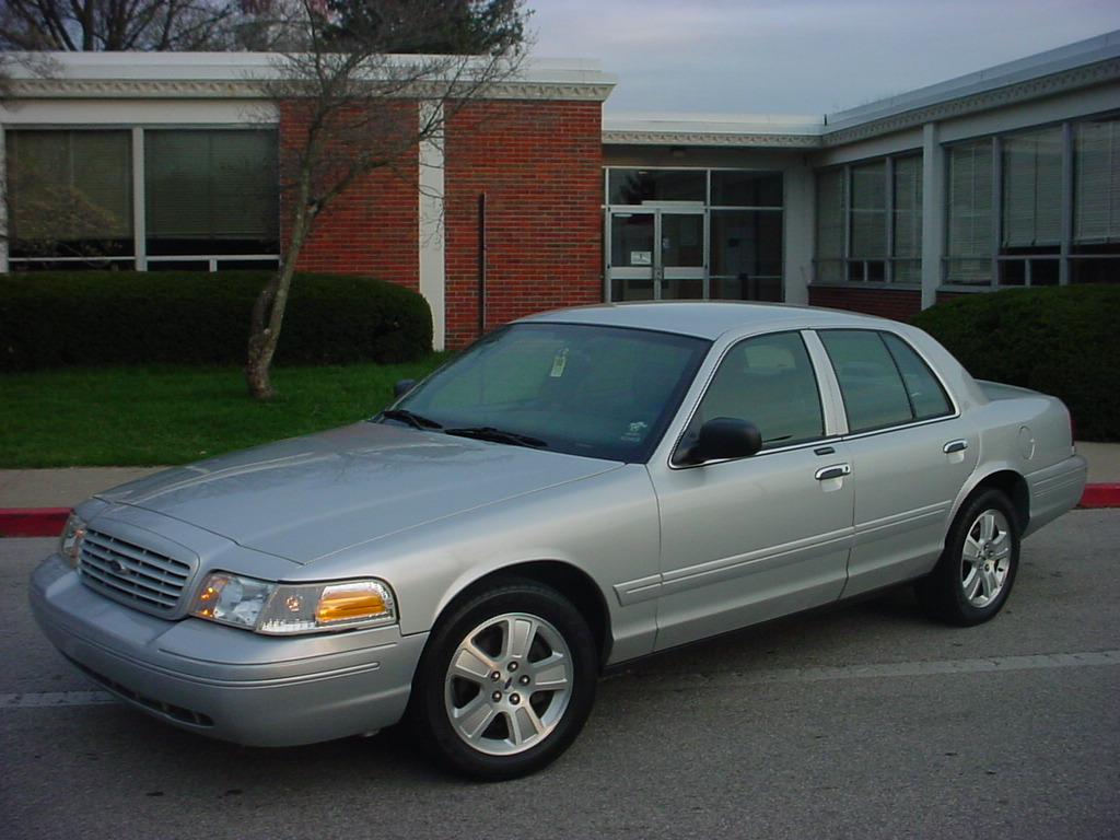 Ford Crown Victoria #6