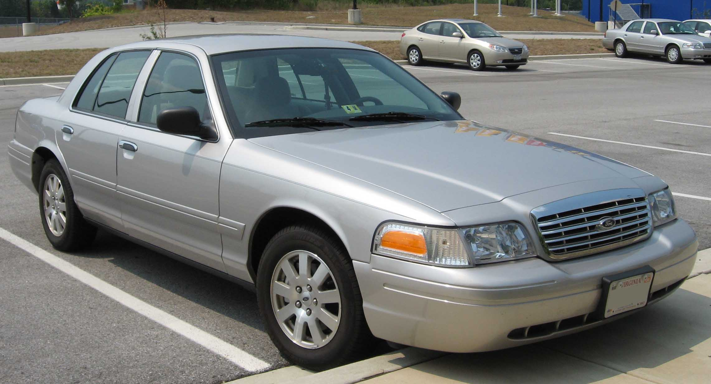 Ford Crown Victoria 10