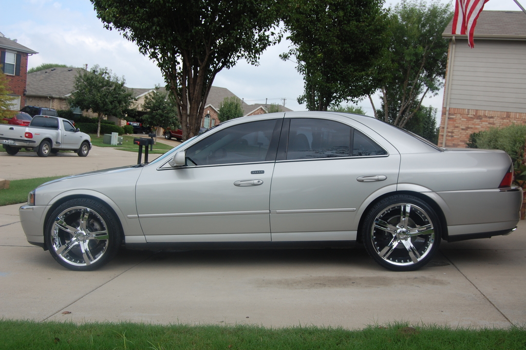 Lincoln LS #1